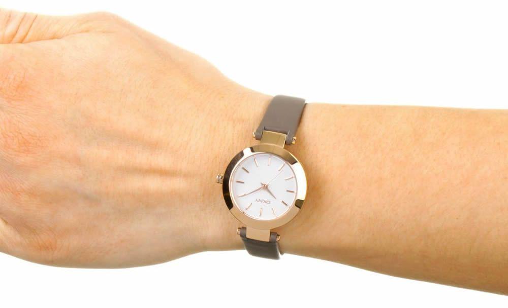 Купит часы dkn